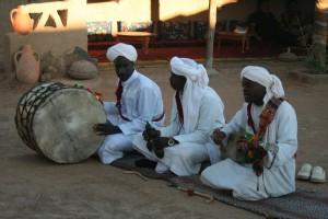 Músicos Gnawa em Khamlia